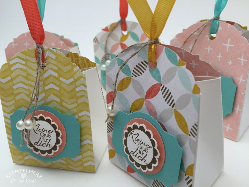 Stampin Up - Stempelherz - Sale-a-bration Workshop - Gastgeschenke - Box - Tuete - Verpackung - Stanze Eleganter Anhaenger - Designerpapier Die schoenste Zeit - Eine runde Sache - Verpackung mit der Stanze Eleganter Anhaenger 03