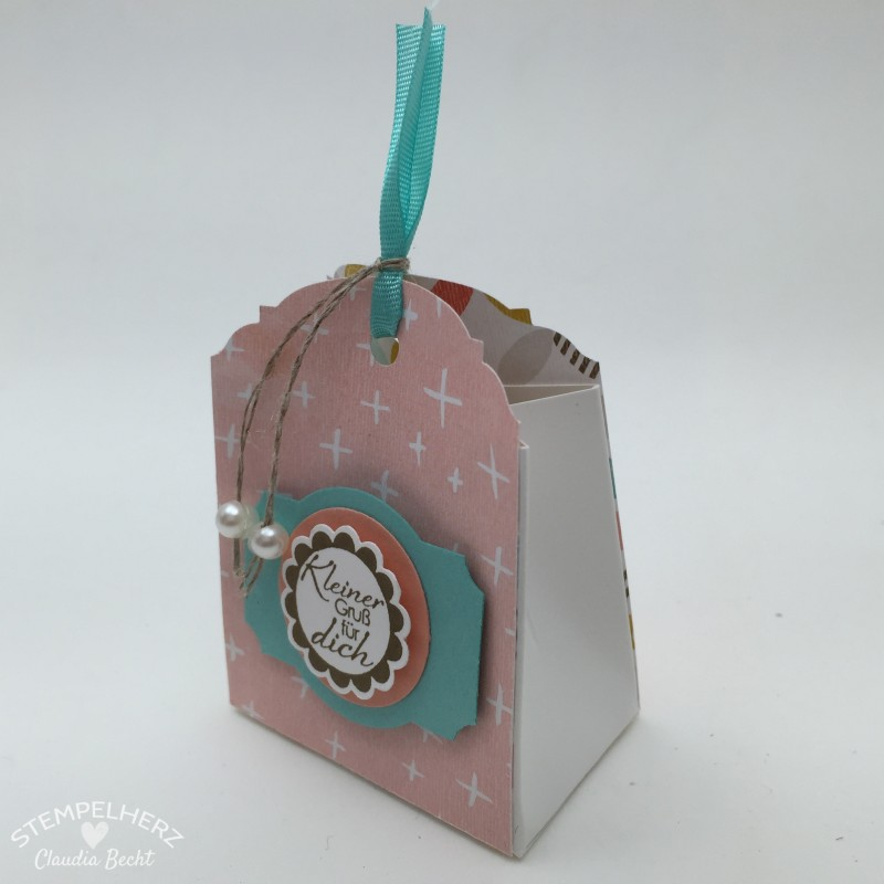 Stampin Up - Stempelherz - Sale-a-bration Workshop - Gastgeschenke - Box - Tuete - Verpackung - Stanze Eleganter Anhaenger - Designerpapier Die schoenste Zeit - Eine runde Sache - Verpackung mit der Stanze Eleganter Anhaenger 06