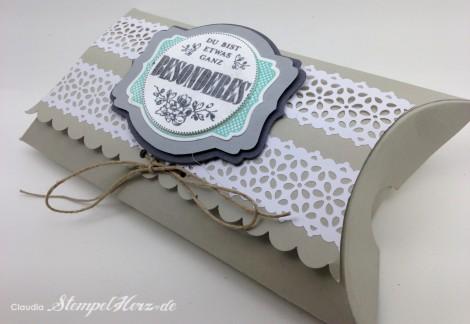 Stampin Up - Stempelherz - Pillowbox - Verpackung - Etwas ganz Besonderes - Framelits Etikett-Kunst - Kreisstanze - Spitzen-Klebeband - Pillowbox Jumbo 02