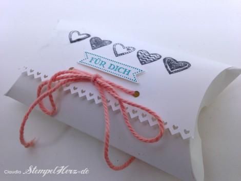Stampin Up - Stempelherz - Pillowbox - Verpackung - Famose Faehnchen - Framelits Famose Faehnchen - Language of Love - Pillowbox Fuer dich 02
