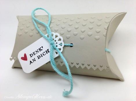 Stampin Up - Stempelherz - Pillowbox - Verpackung - Praegeform Dekorative Akzente - Etwas ganz Besonderes - Pillowbox Denk an dich 01