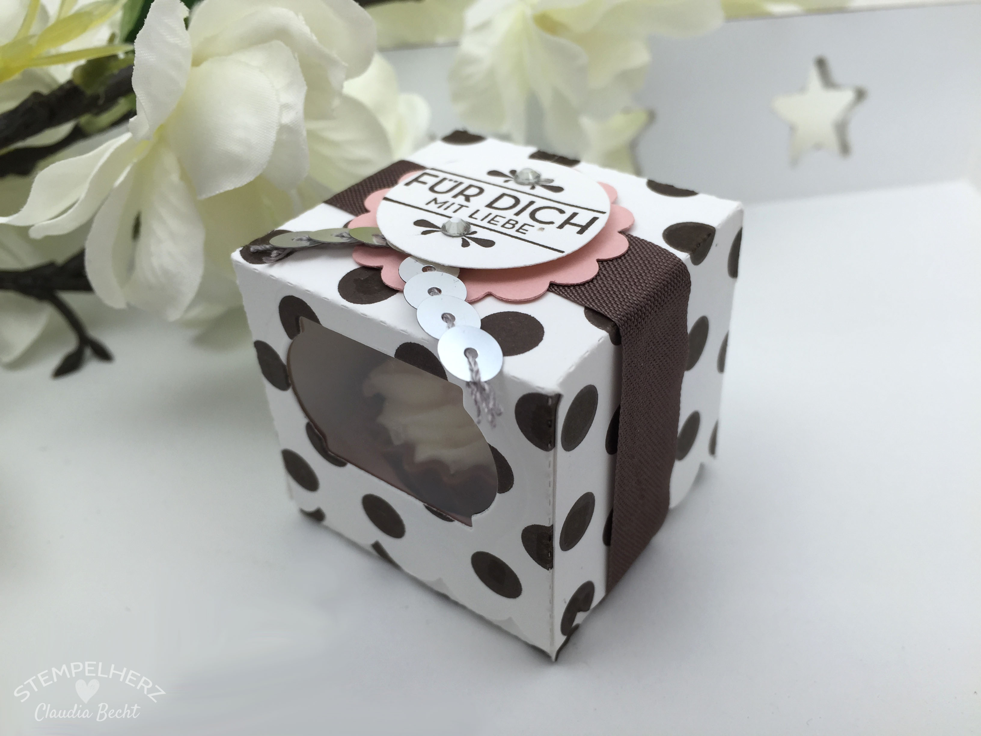Stampin Up-Stempelherz-Verpackung-Box-Cupcakeverpackung-Cupcake-Hausgemachte Leckerbissen-Pralinenschachtel-Cupcakepralinen-Verpackung 04