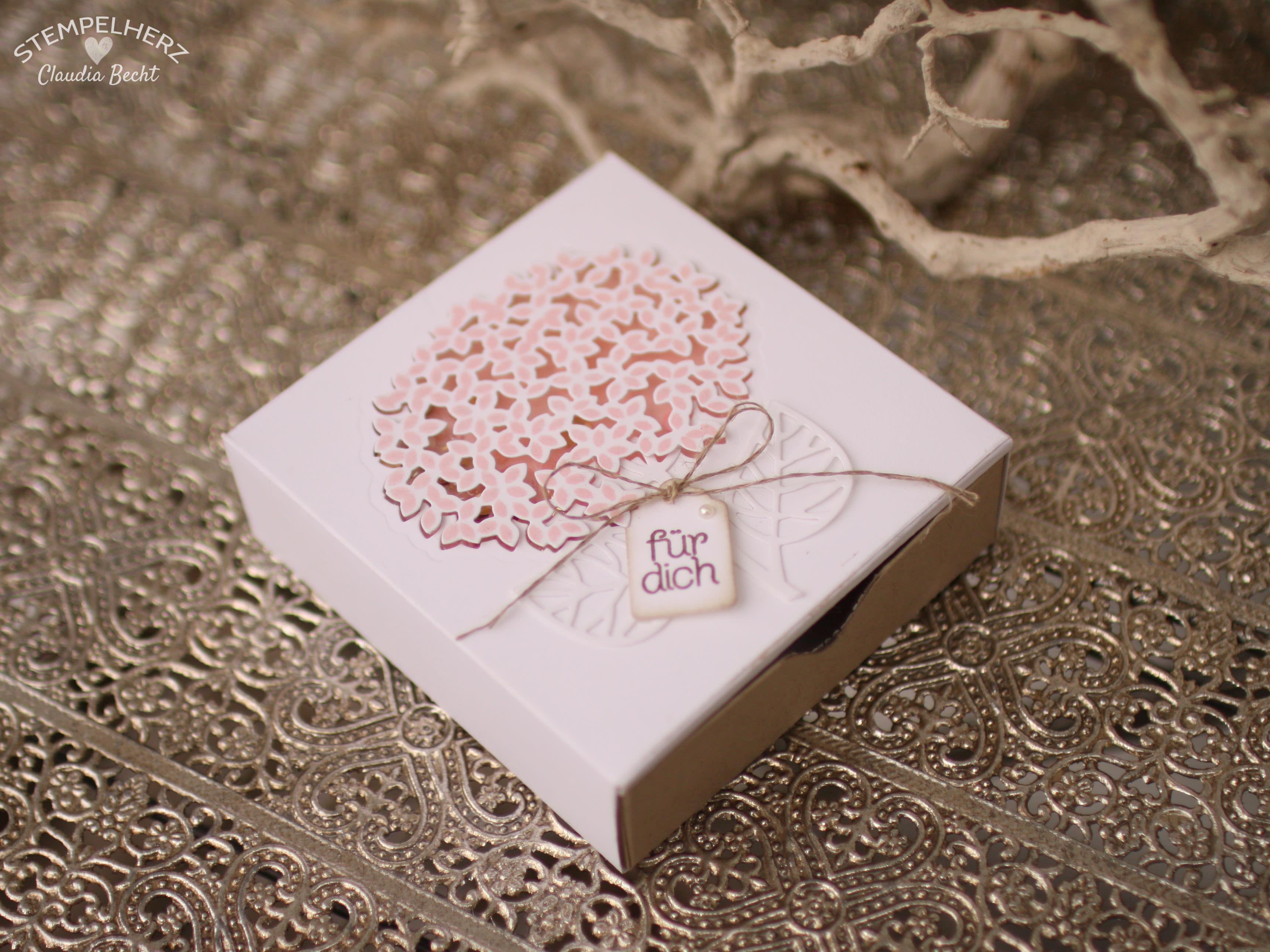 Stampin Up - Stempelherz - Grand Vacation Achievers Blog Hop - Thoughtful Branches - Wald der Worte - Verpackung - Schachtel - Ziehverpackung - Box - Blume - Schachtel Zarte Blume 01