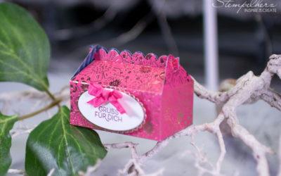 Gruss mit einer Mini-Take-Away-Box